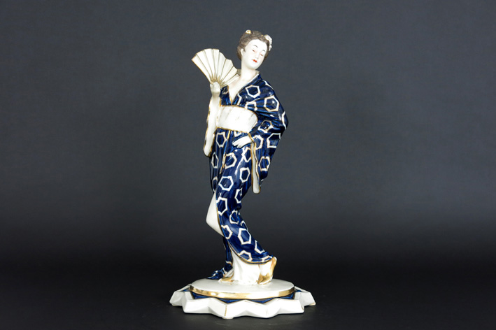 Royal Dux - Geisha with fan-