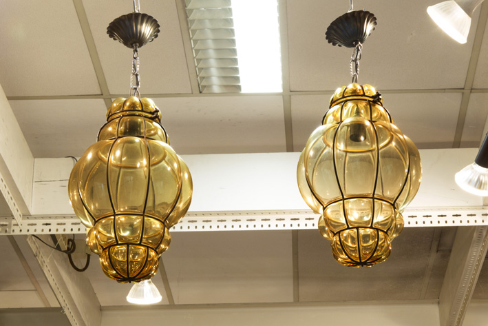 Pair of small Venetian chandeliers/lamps in glass and iron-