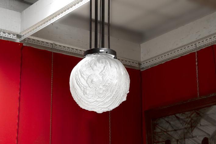 Art Deco-chandelier in wrought iron and crystalglass-