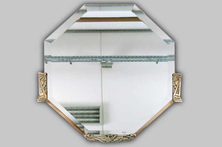 Art Deco-mirror with frame in plated bronze-