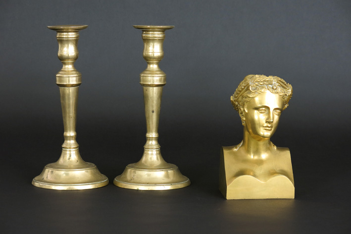 Pair of antique candlesticks in brass and 19th Cent. bronze bust-