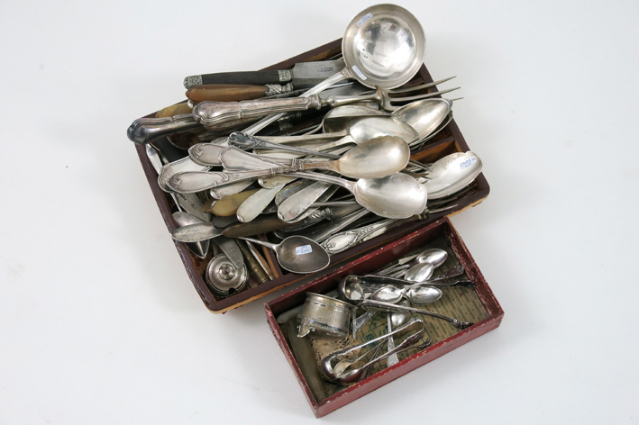 Several pieces of cutlery in silverplated metal or marked silver-