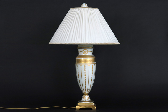 Lamp with a vase in porcelain and bronze, with its shade-