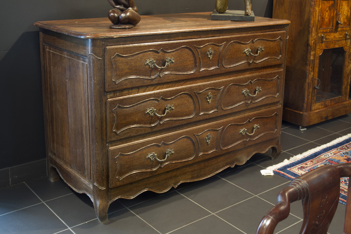 18th Cent. Louis XV style chest of drawers in oak-