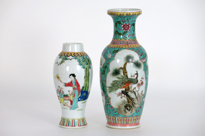 2 Chinese vases in marked porcelain-