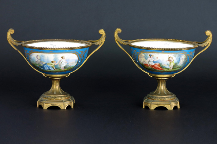 19th Cent. French pair of bowls in Sevres-porcelain and guilded bronze-