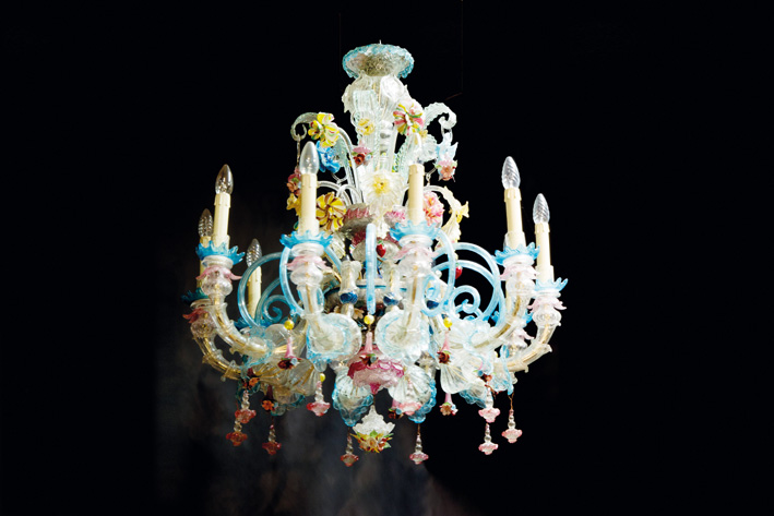 Superb very well preserved Venetian chandelier in colorfull glass-