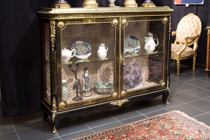 Very nice 19th Cent. French Louis XIV style Napoleon III-display cabinet in 'Boulle' with rich mountings in guilded bronze-1870
