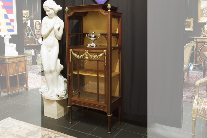 Antique neoclassical display cabinet in mahogany with very nice mountings in guilded bronze-1880