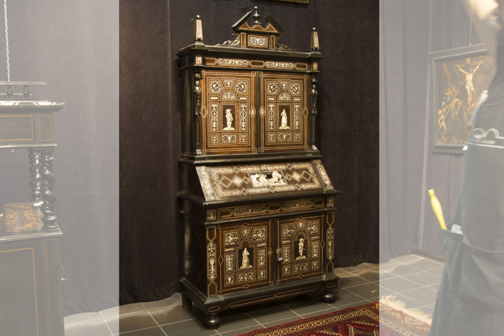 Quite exceptional 19th Cent. Italian neorenaissance style cabinet in several kinds of wood  and richly inlaid with ivory, with 4 doors and a bureau-1820