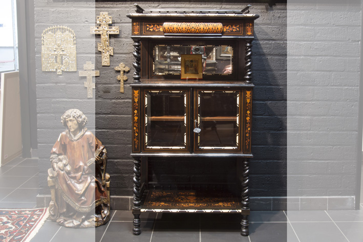 Quite special early 19th Cent. cabinet in marquetry of ebony and rose-wood and ivory-1850