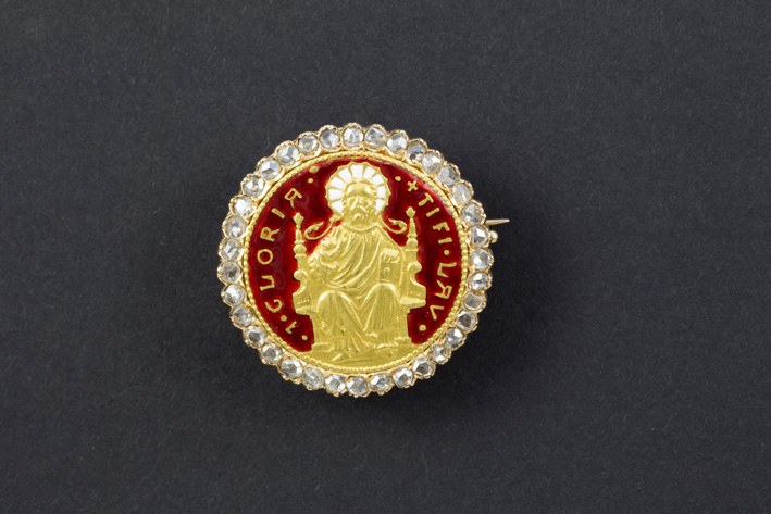 19th Cent. Russian brooch in yellow gold (18 carat) with enamel and rosecut diamonds-