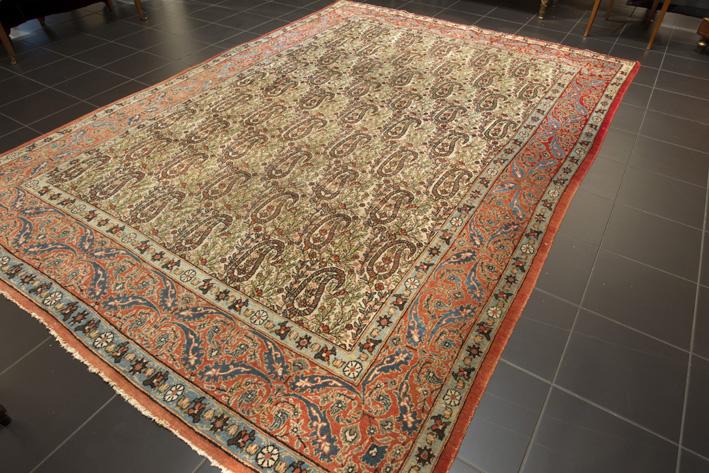 Old Persian Ghoum-