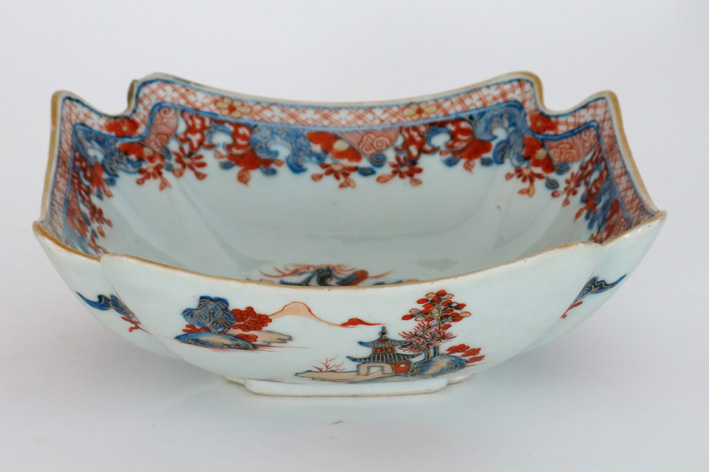 18th Cent. Chinese bowl with Imari-decor-