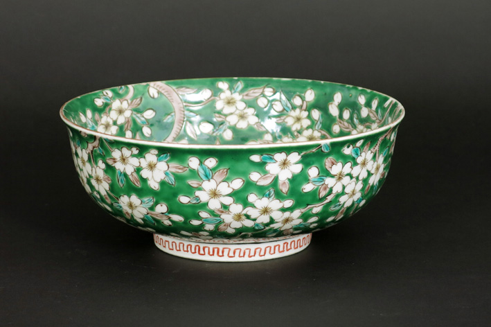 Antique Chinese bowl in porcelain-