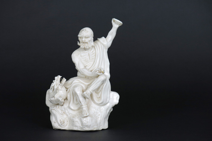 Antique Chinese sculpture in marked 'blanc de Chine' porcelain-