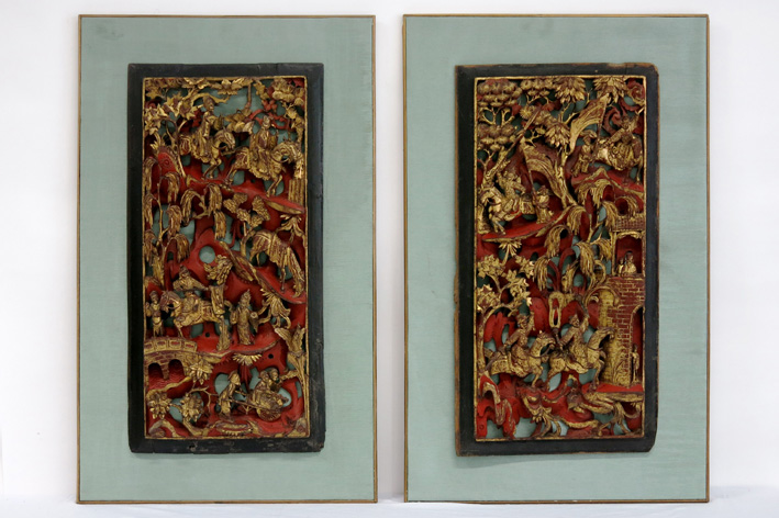 19th Cent. Chinese pair of finely sculpted Qing-period panels in polychromed wood-