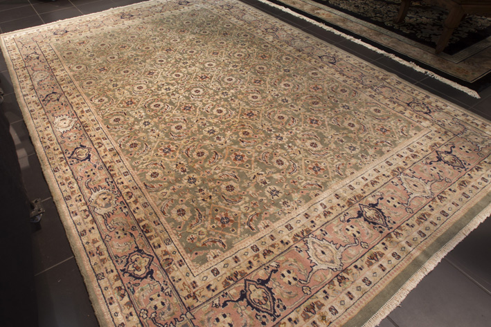 Finely knotted Agra Herat-