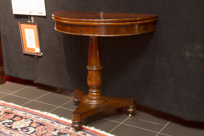 19th Cent. neoclassical gamestable in mahogany-