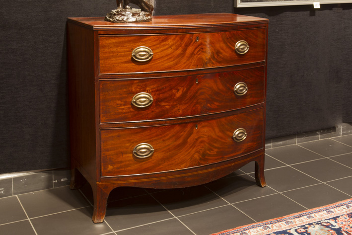 Late 18th Cent. English bowfronted chest of drawers in mahogany-