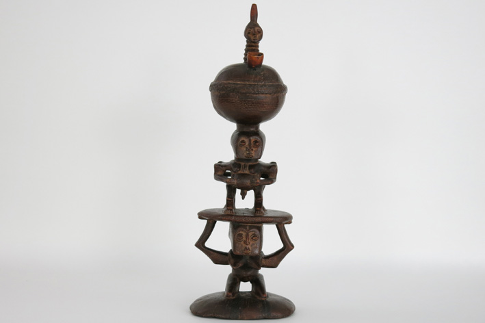 African 'Luba' pipe in wood and horn-