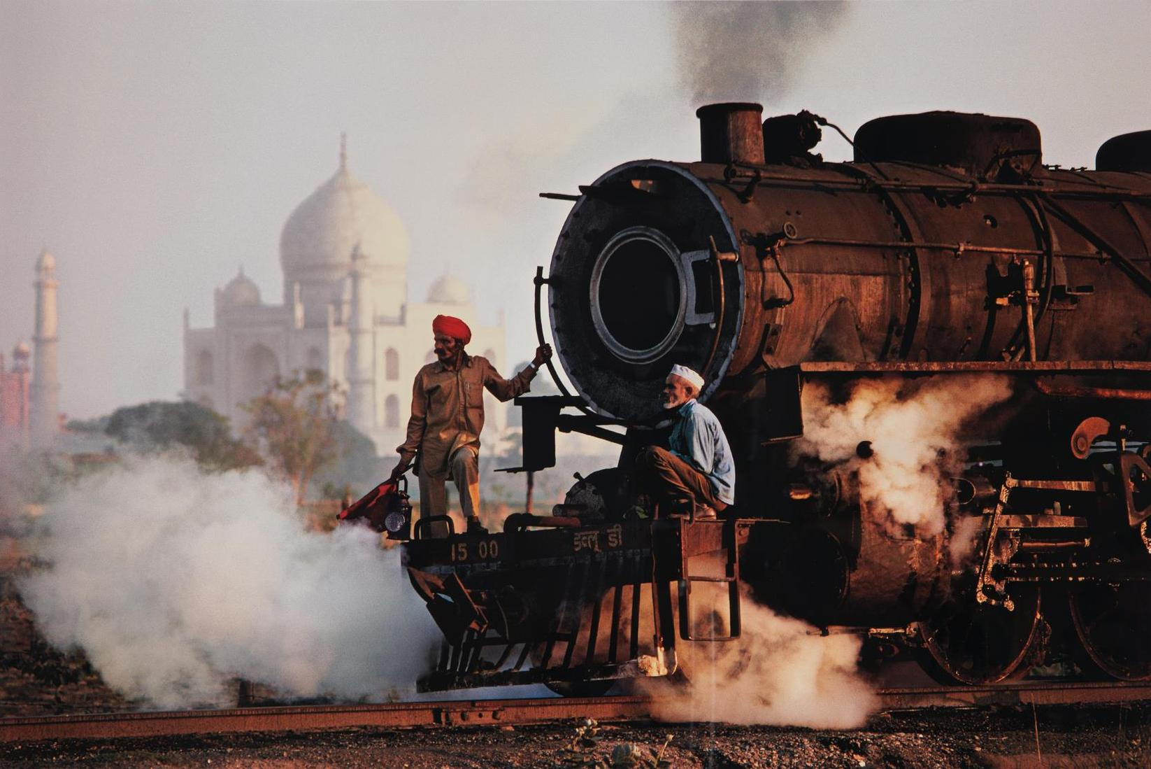 Steve McCurry-Taj And Train, Agra, India-1983