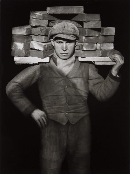 August Sander-Handlanger (Bricklayer)-1928