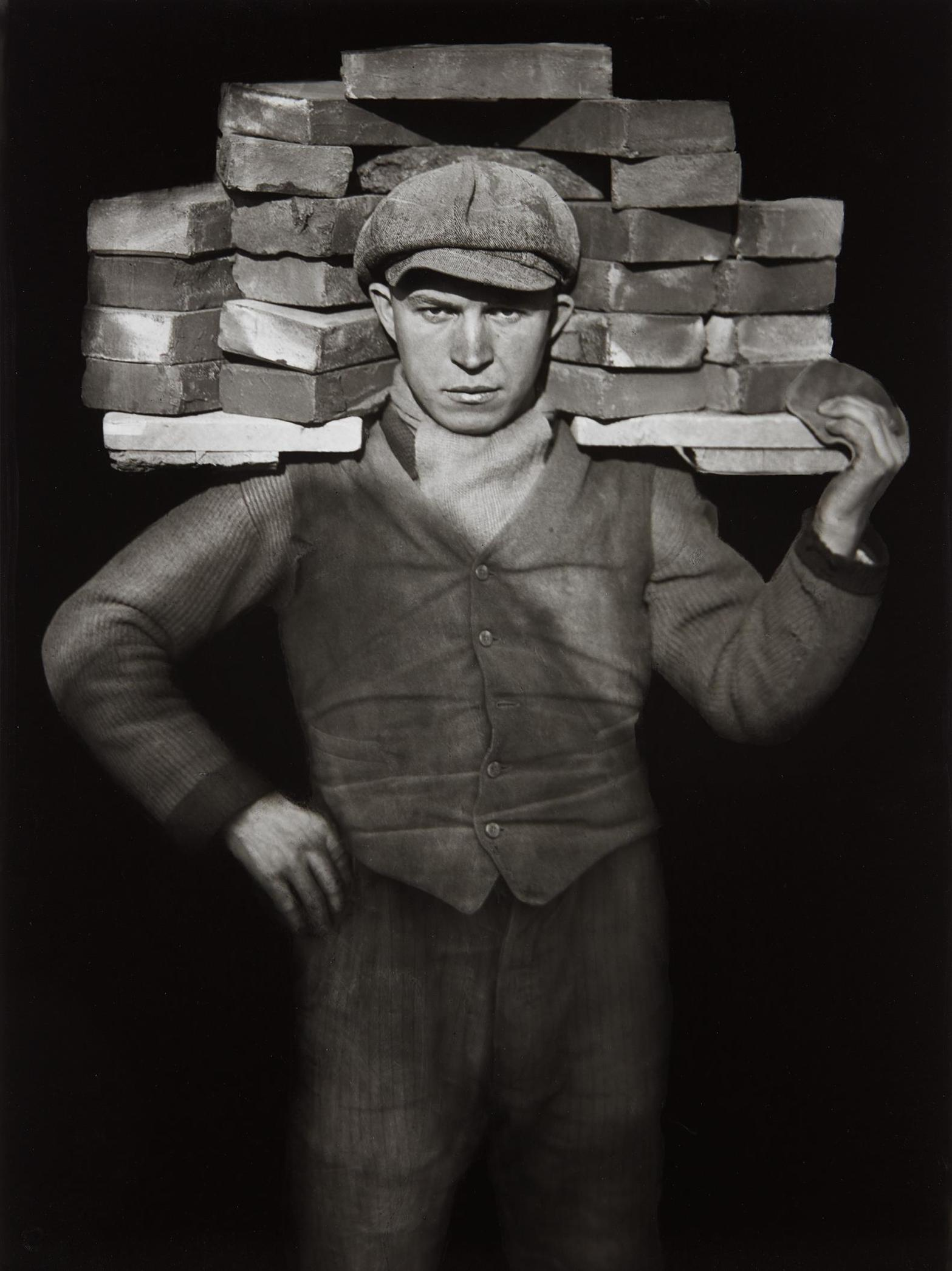 August Sander-Handlanger (Bricklayer)-1928