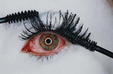 Irving Penn-Mascara Wars, New York-2001