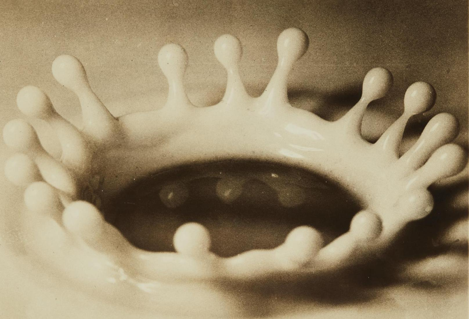Harold Edgerton-Milk Drop Coronet-1936