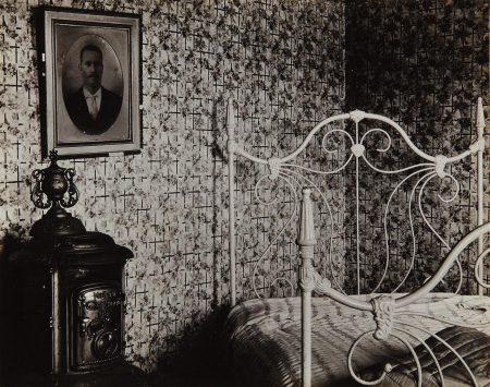 Walker Evans-Interior, Cape Cod-1931