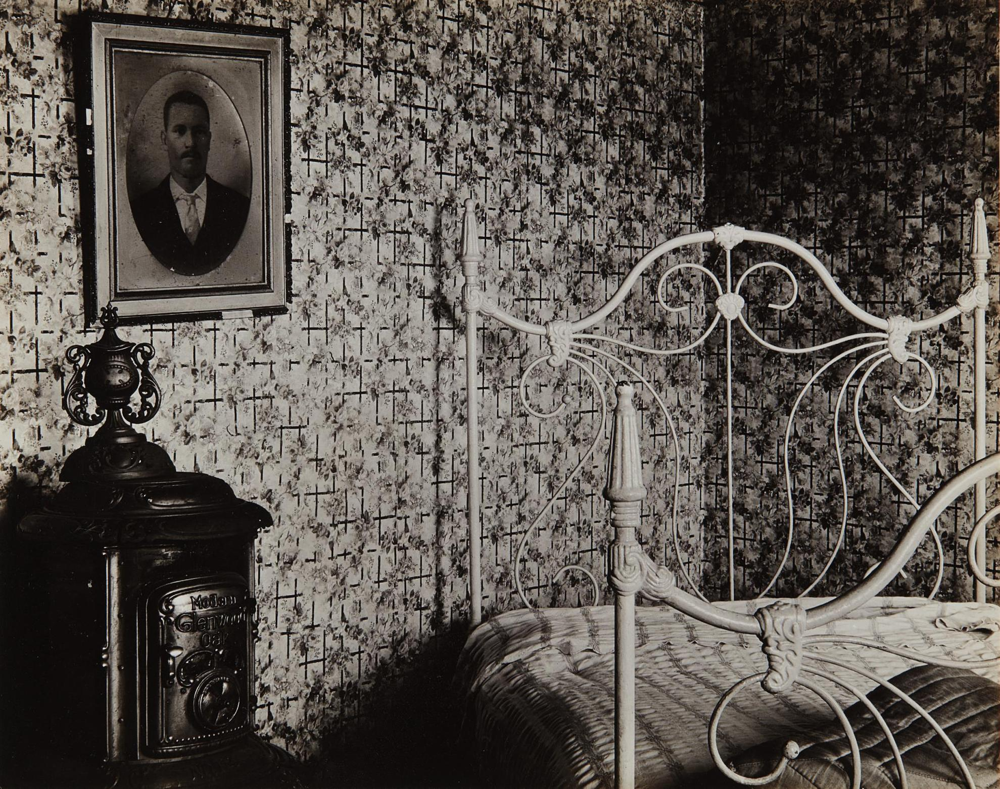Walker Evans-Interior, Cape Cod-1931