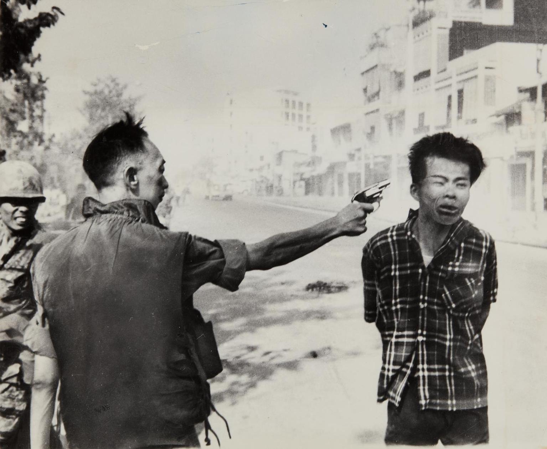 Eddie Adams-General Nguyen Ngoc Loan Executing A Viet Cong Prisoner In Saigon-1968