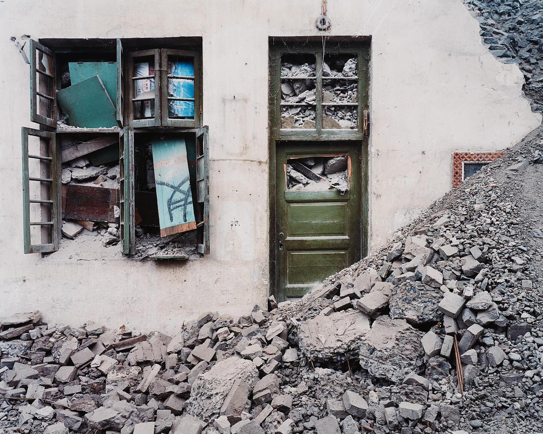 Edward Burtynsky-Wushan #3, Yangtze River, China-2002