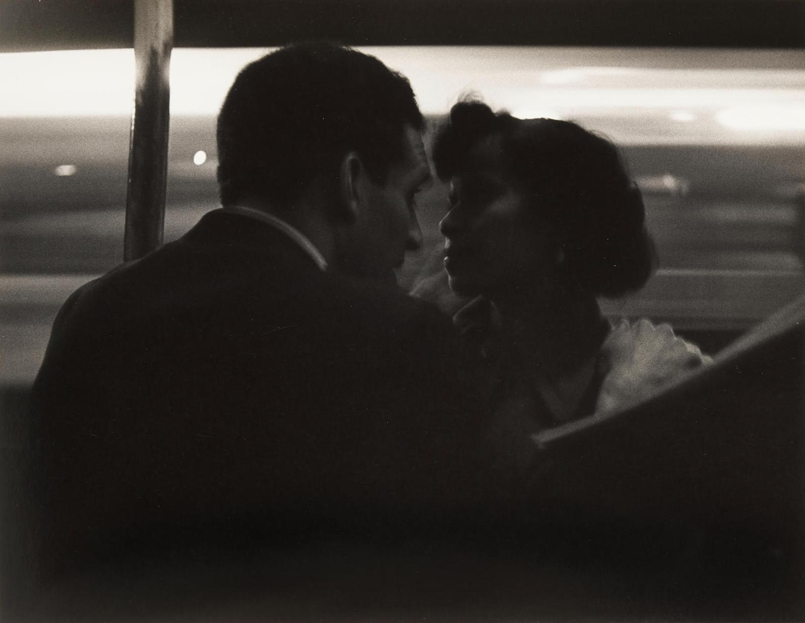Roy DeCarava-Couple Talking, Subway Platform-1952
