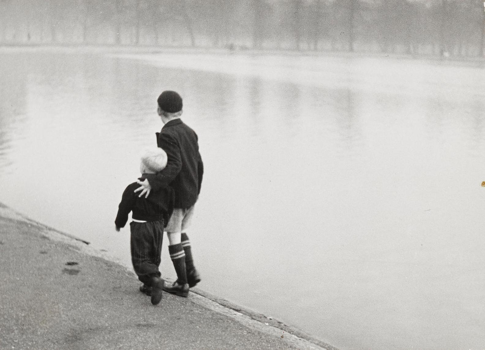 Ruth Orkin-Brothers, Hyde Park, London-1951