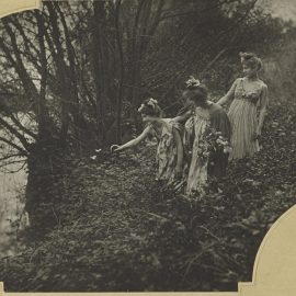 Emile Joachim Constant Puyo-Les Papillons Blancs-1900