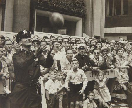 Ruth Orkin-Legion Parade (New York City)-1947