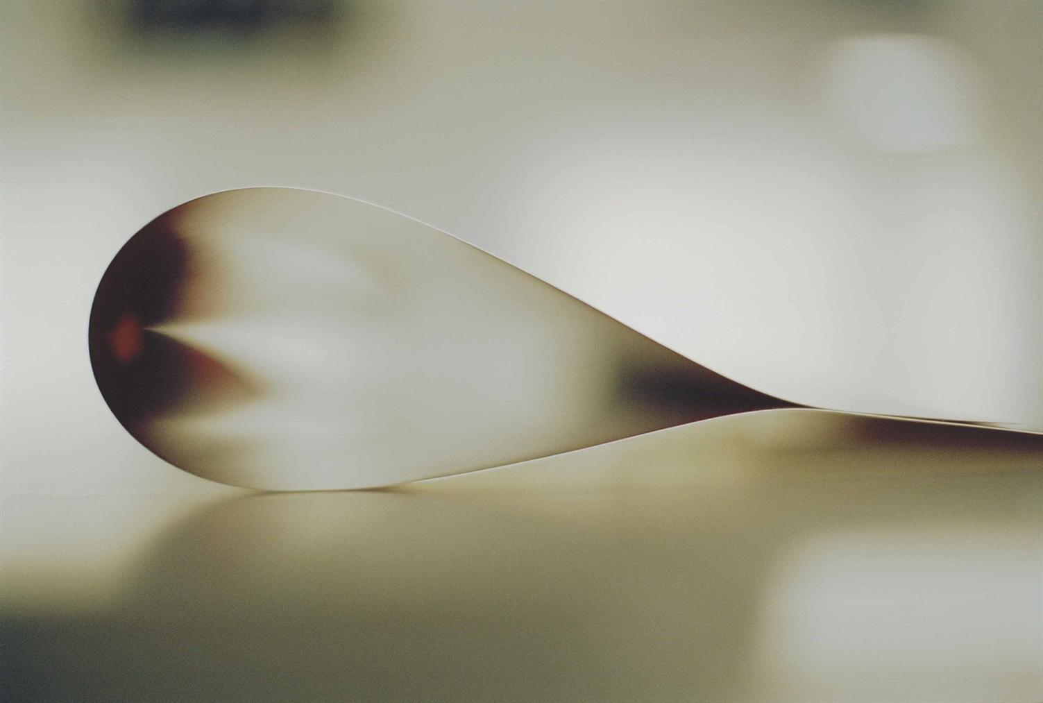 Wolfgang Tillmans-Paper Drop (Star)-2006