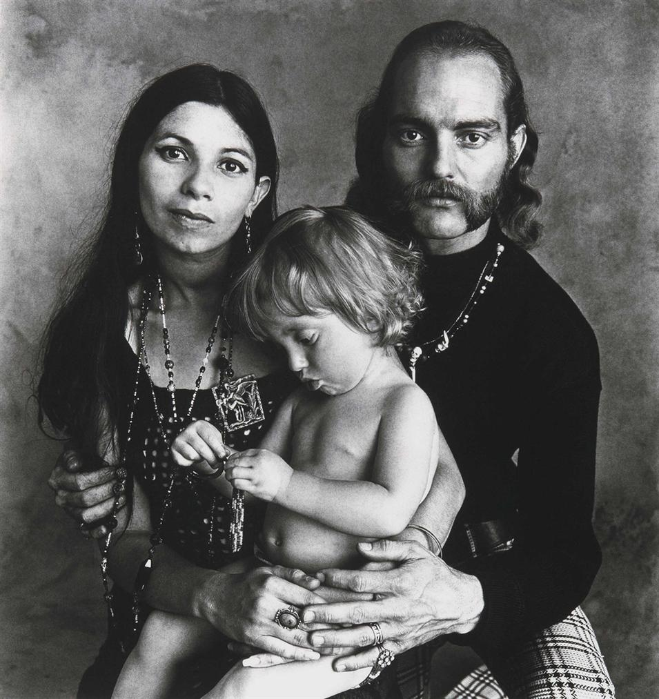 Irving Penn-Hippie Family (F), San Francisco-1967