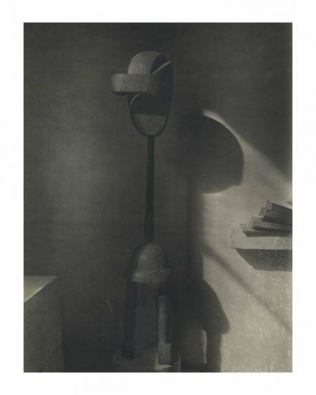 Constantin Brancusi-Plato-1919