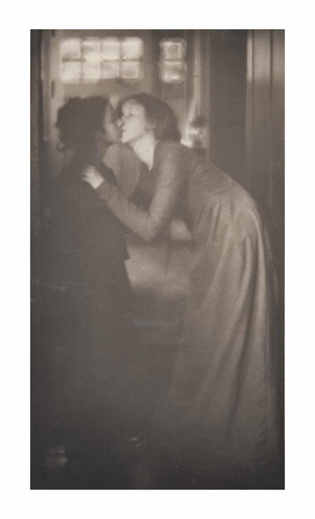 Clarence Hudson White - The Kiss-1904