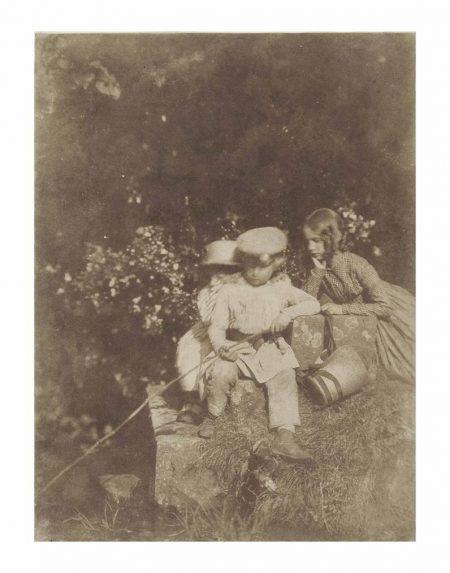 David Octavius Hill-At The Minnow Pool, Arthur And John Hope And Sophia Finlay-1847