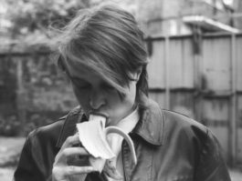 Sarah Lucas-Sarah Lucas, Eating A Banana (For Grenfell)-2017
