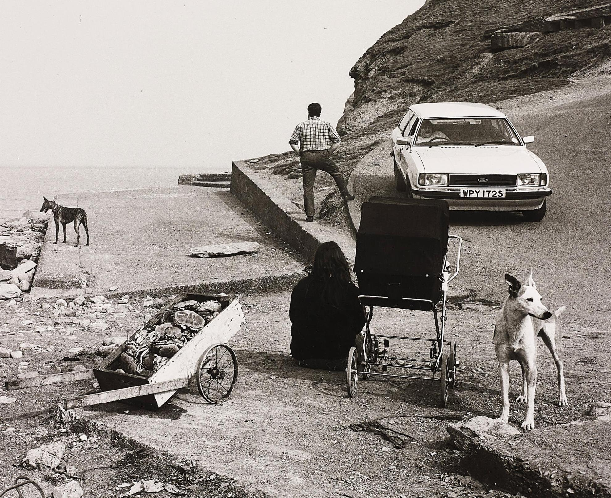 Chris Killip-Crabs And People, Skinningrove, North Yorkshire-1981