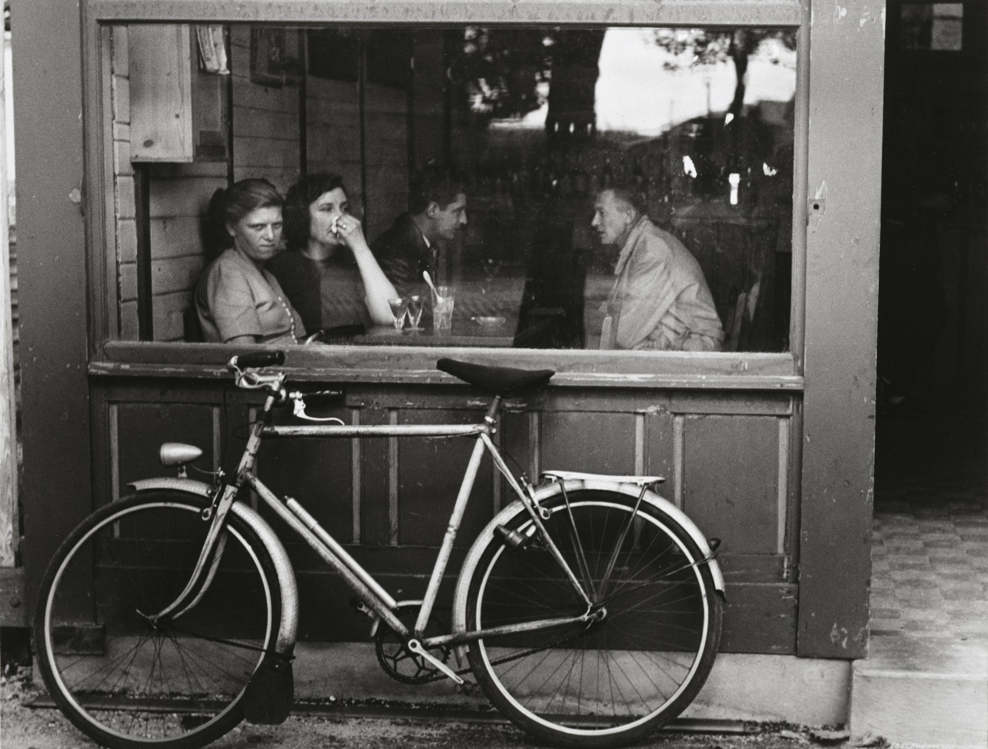 Andre Kertesz-Bistro, Paris-1930