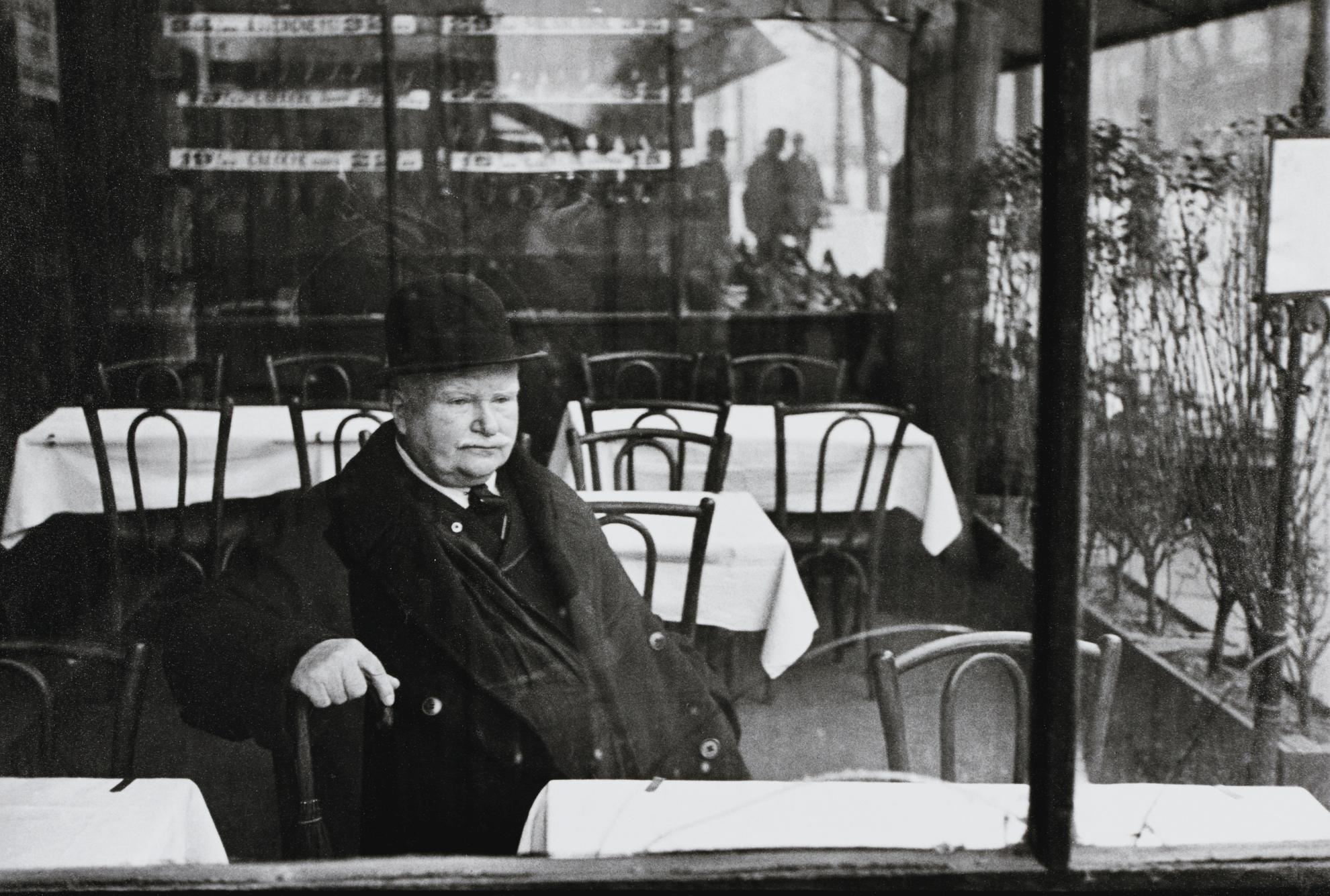 Henri Cartier-Bresson-Avenue Du Maine, Paris-1932