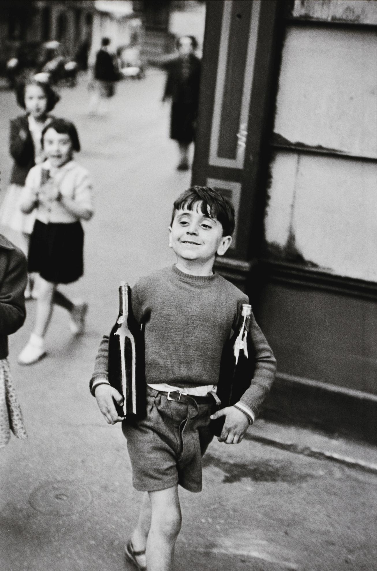 Henri Cartier-Bresson-Rue Mouffetard-1954