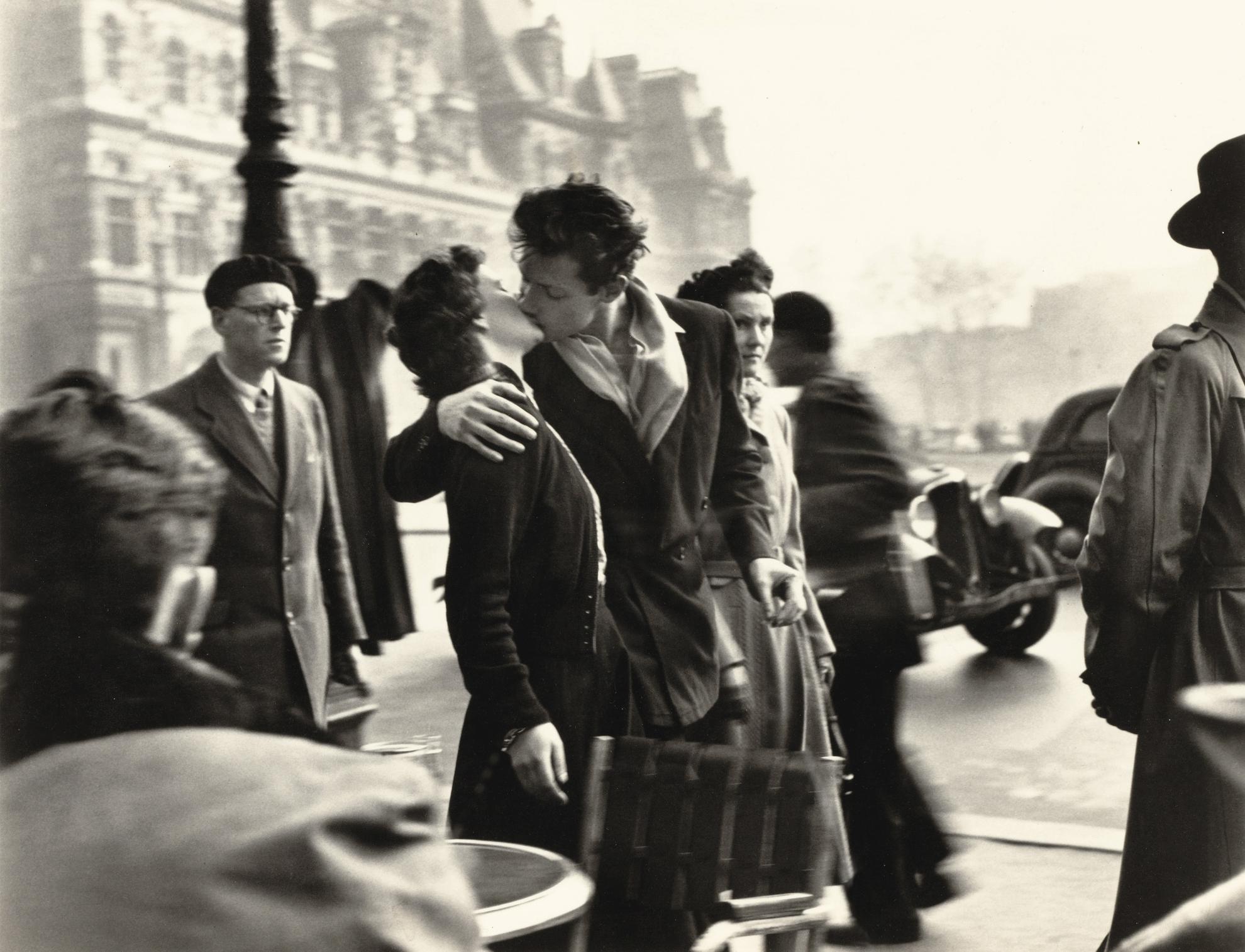 Robert Doisneau-Le Baiser De Lhotel De Ville, Paris-1950