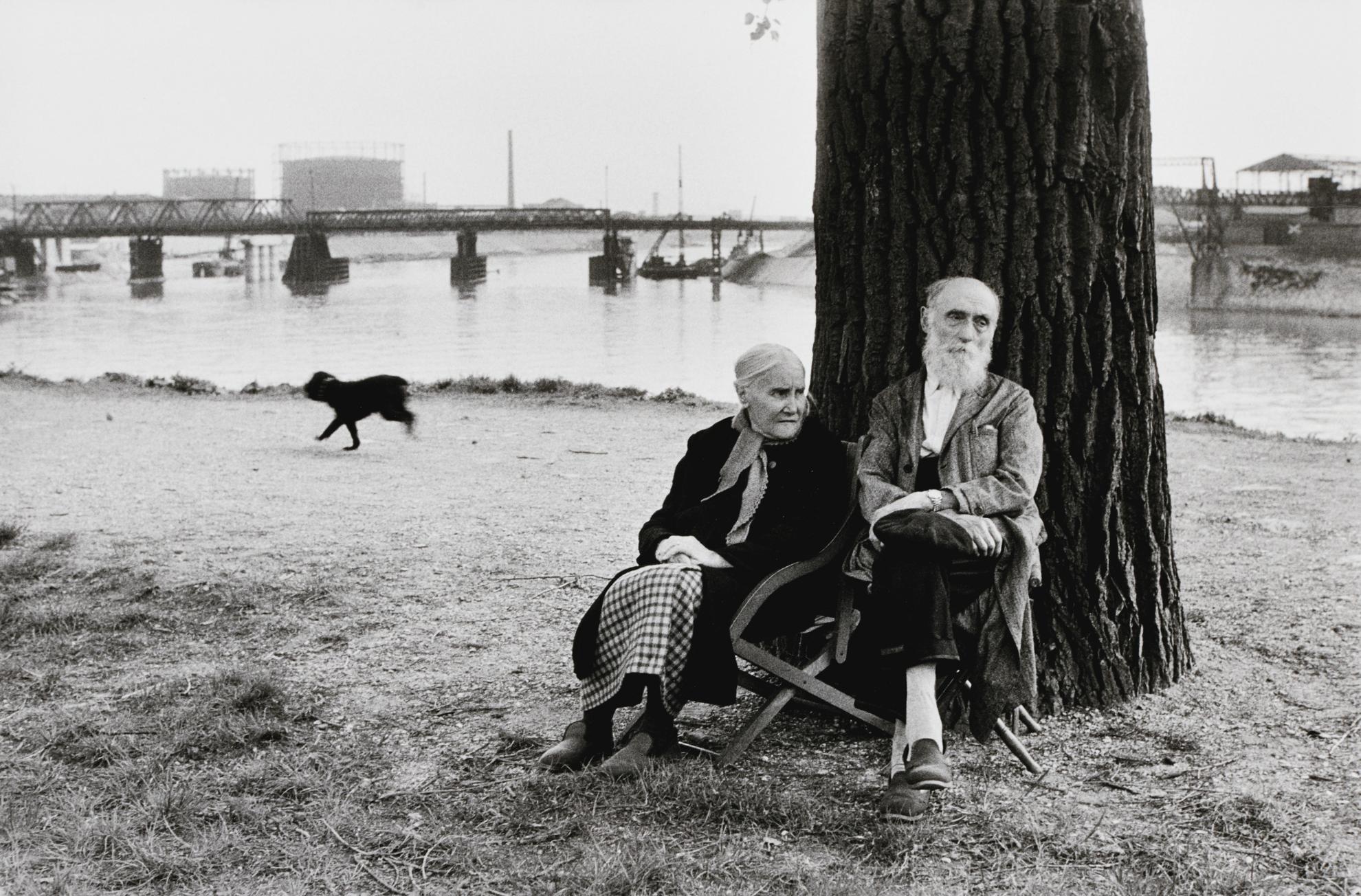 Henri Cartier-Bresson-Ivry-Sur-Seine-1956